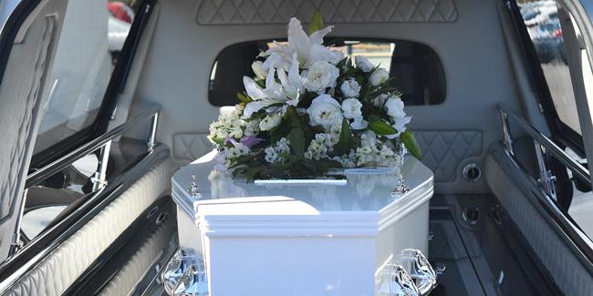Combien coûte un enterrement ? Comment anticiper la dépense ?