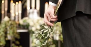 Lors d'obsèques : quelles-sont les prestations funéraires obligatoires ?