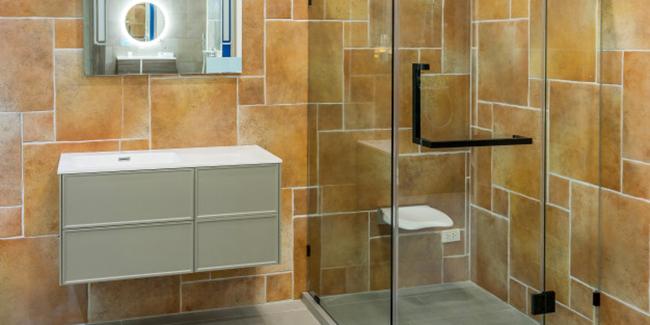 Quelles contraintes et surface pour l'installation d'une douche sécurisée ?